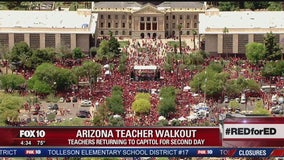 Arizona teachers rally, schools close for 2nd day