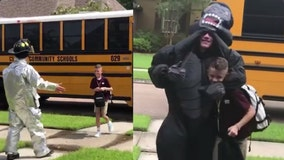 Teen surprises little brother at bus stop dressed in hilarious costumes every day
