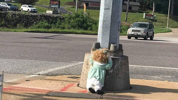 Creepy dolls mysteriously appear in Missouri county