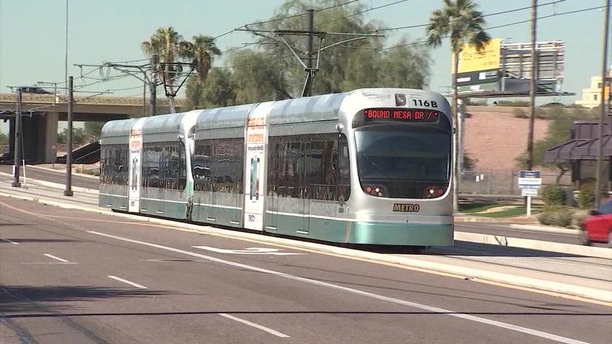 Phoenix: Thousands of ballots for light rail measure pour in