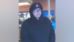 FBI, Avondale PD looking for man accused of robbing Chase Bank