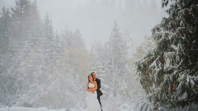 Surprise snowstorm takes over Arizona couple's fall wedding in Washington