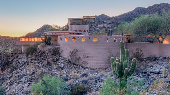 Frank Lloyd Wright-designed Phoenix home up for auction