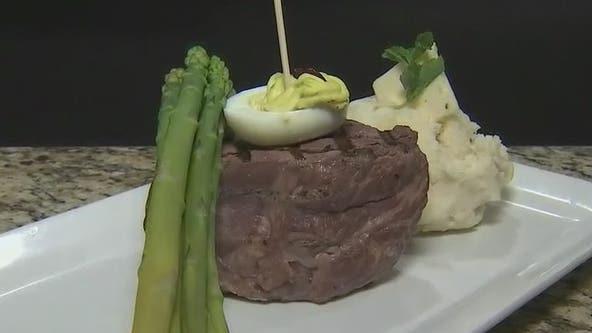 Scottsdale restaurant feeds vets with free buffet dinner