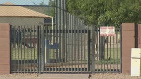 Arizona HOA to build wall to block elementary students