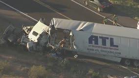 2 dead after semis crash head-on on US-93 near Wickenburg