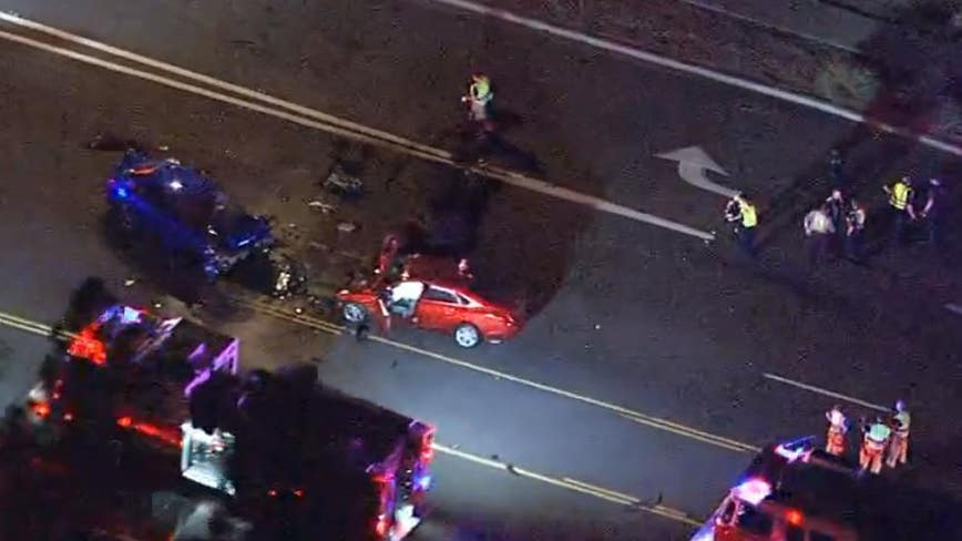PD: 3 injured in crash near 48th Street and Broadway Road