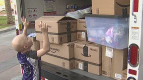 Valley girl fighting cancer and her hockey team deliver donations to Phoenix Children's Hospital