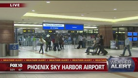Travellers dealing with crowds and weather as Thanksgiving approaches