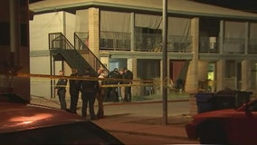 Police: Man dead following shooting in Mesa