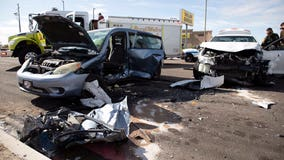Suspected human smuggling leads to chase, crash in Arizona