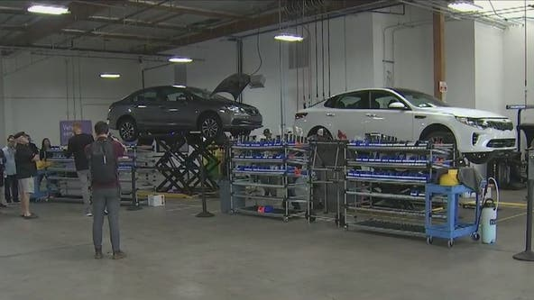 Lyft opens first-ever maintenance center in Phoenix for drivers