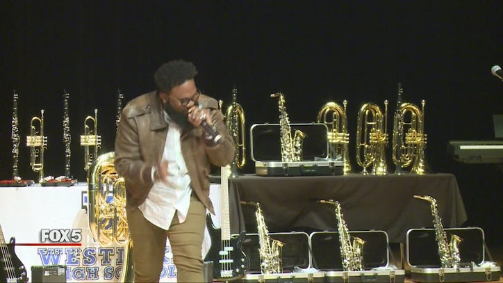 Blanco Brown performs at alma mater in Fulton County - FOX 10 News Phoenix
