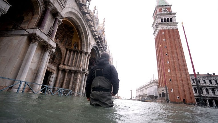 GettyImages-Venice-flood.jpg