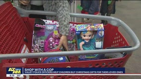 'Shop with a Cop': Phoenix students pick gifts for themselves or others