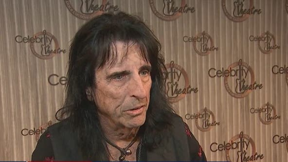 Alice Cooper brings his rockin' friends for his 18th annual 'Christmas Pudding' show