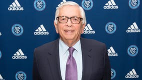 David Stern, NBA's commissioner for 30 years, dies at 77