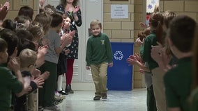Kids give standing ovation to 6-year-old classmate after his final chemo treatment