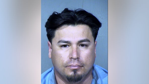 Phoenix man accused of preying on underage girls