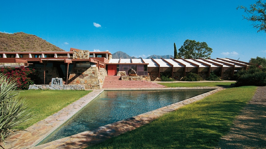 Arizona architecture school started by Frank Lloyd Wright to close