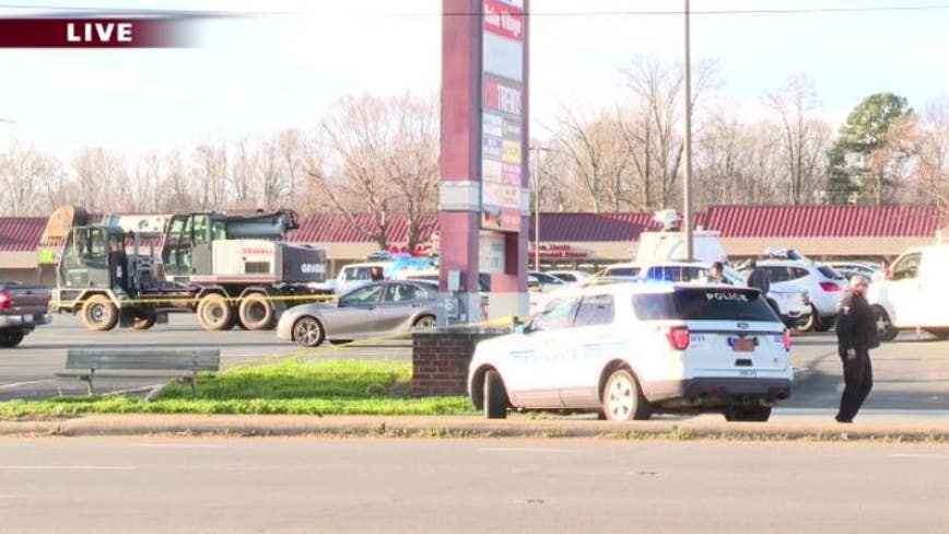 Armed suspect barricaded inside Advanced Auto Parts in northwest Charlotte