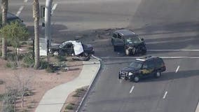 Man dead in Queen Creek crash, woman and kids survive