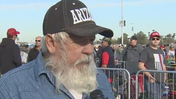 Letters to the president: Prescott man passes around notebook at Trump rally