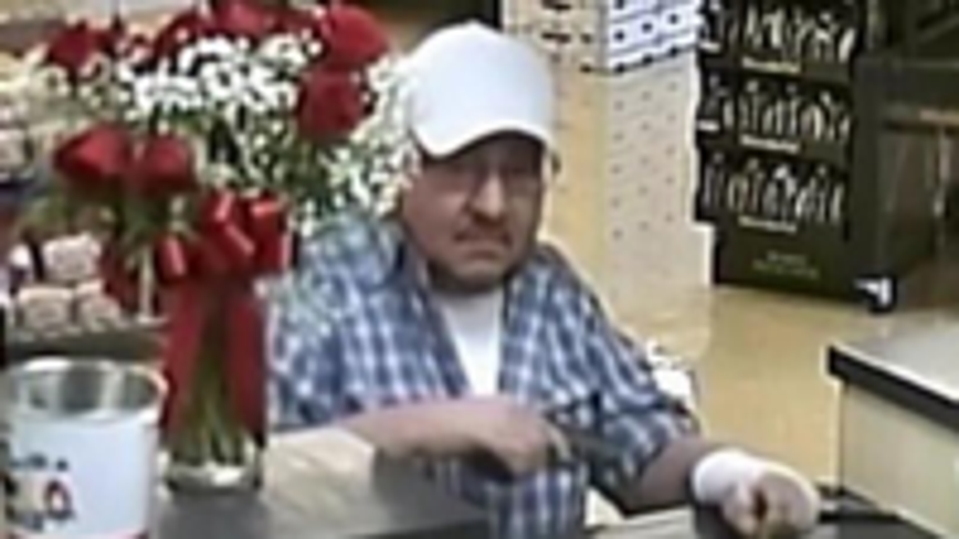 'Bandage Bandit' sought in connection to Valley bank robberies