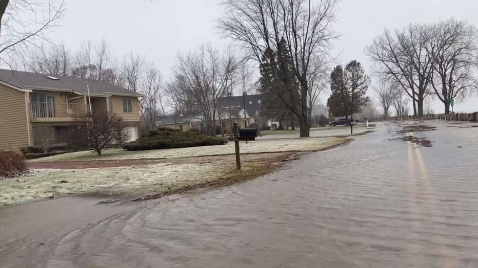 Lake-Michigan-flooding-2.jpg
