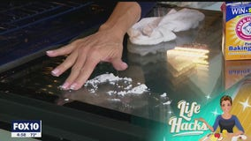Life Hacks: How to clean the glass on your oven without using the cleaner
