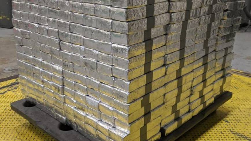 Border Patrol officers seize $37M of meth in tomato shipment