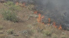 Phoenix fire crews responding to 20-acre brush fire west of I-17