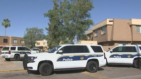 Phoenix Police: 2 dead following shooting at apartment complex