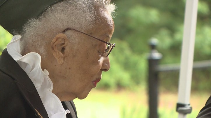 Last remaining Tuskegee Airman nurse turns 100