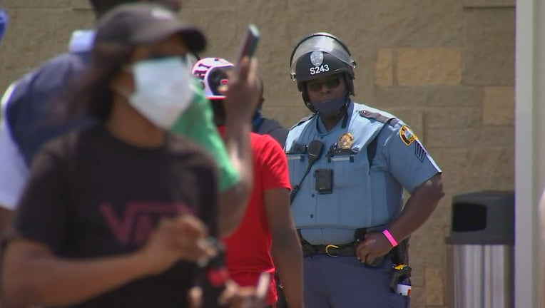 St. Paul Midway Target looting riot gear