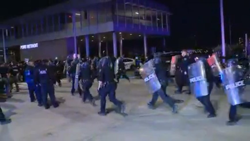 3 Detroit police officers injured, DPD cars damaged as protesters clash downtown