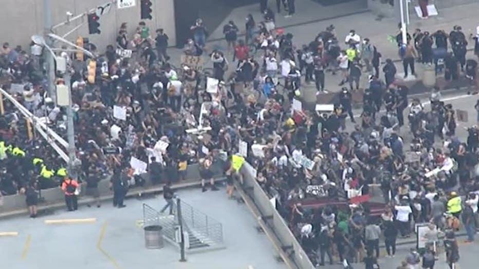 ProtestAriels1.jpg
