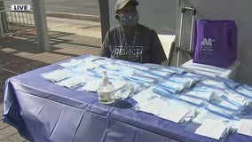Valley Metro handing out free face masks