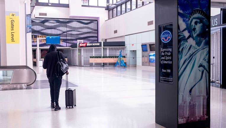 f7a4695a-US-HEALTH-VIRUS-AIRPORT