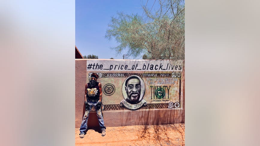 New York City artist creates powerful George Floyd tribute in Phoenix