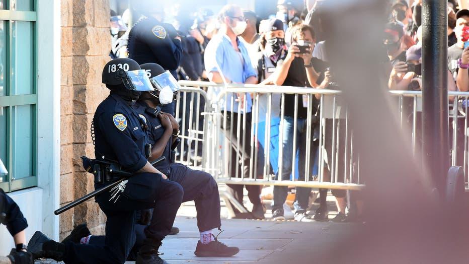 feeee342-TOPSHOT-US-POLITICS-RACE-UNREST
