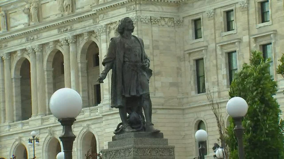 columbus-statue-minnesota-state-capitol.jpg