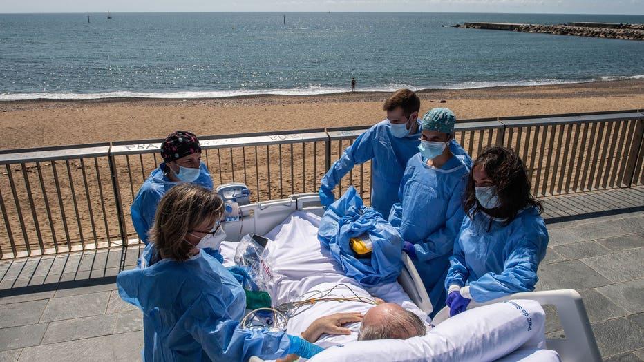 c0ffeb99-Barcelona Hospital Takes Recovering Coronavirus Patients To The Seaside