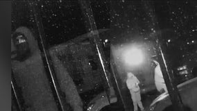 Phoenix police searching for suspects in arson investigation