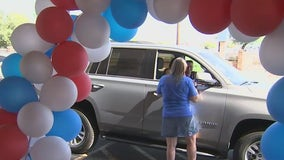 Glendale school holds drive-through parade for students to meet teachers