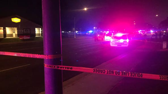 Glendale police: Two bicyclists dead after getting struck by car