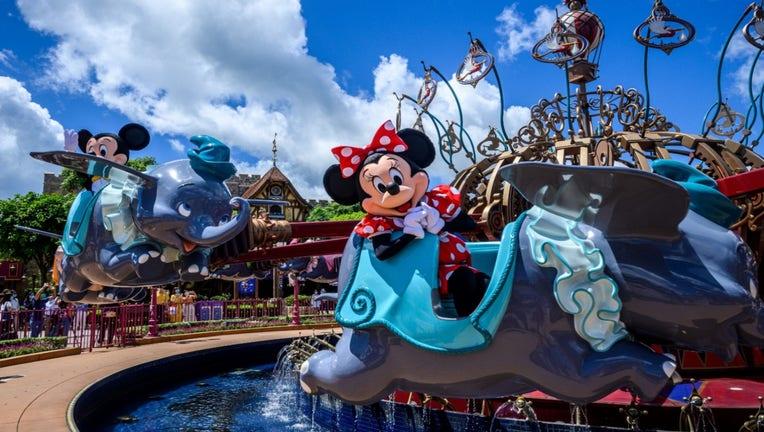 GETTY-Disney-Mickey-Minnie