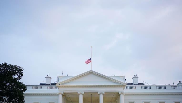 US-POLITICS-FLAG-WHITE-HOUSE