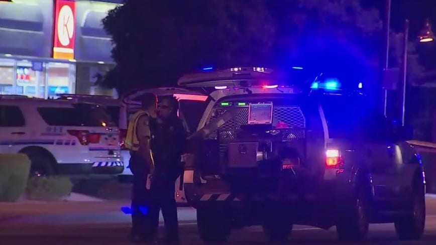 Scottsdale Police: Suspect dead after gunfight with bystander outside convenience store