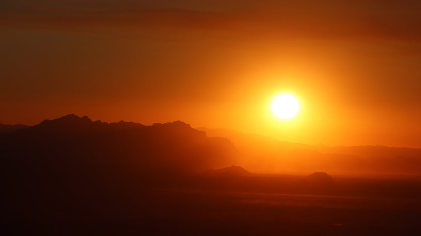 Phoenix hits 116 degrees, breaking record set in 2009